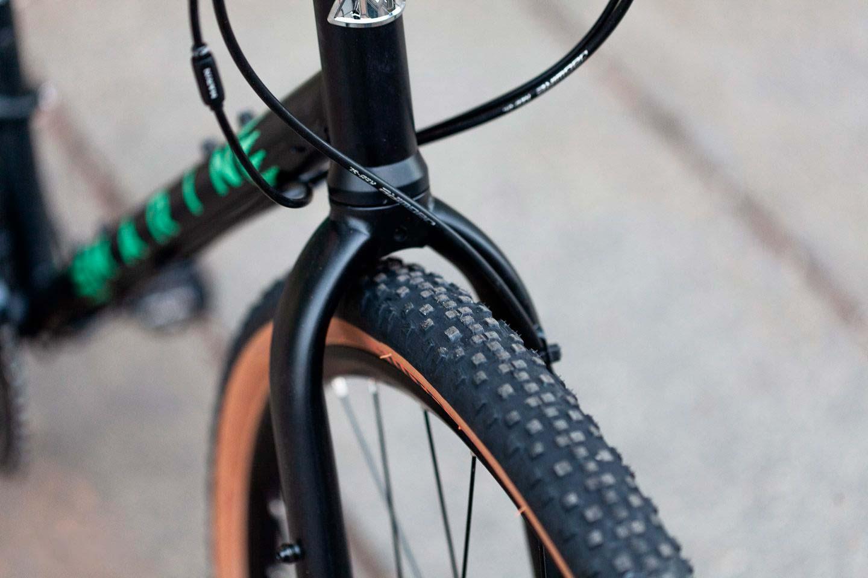 Велосипед Marin Four Corners Satin Black/Gloss Teal/Silver