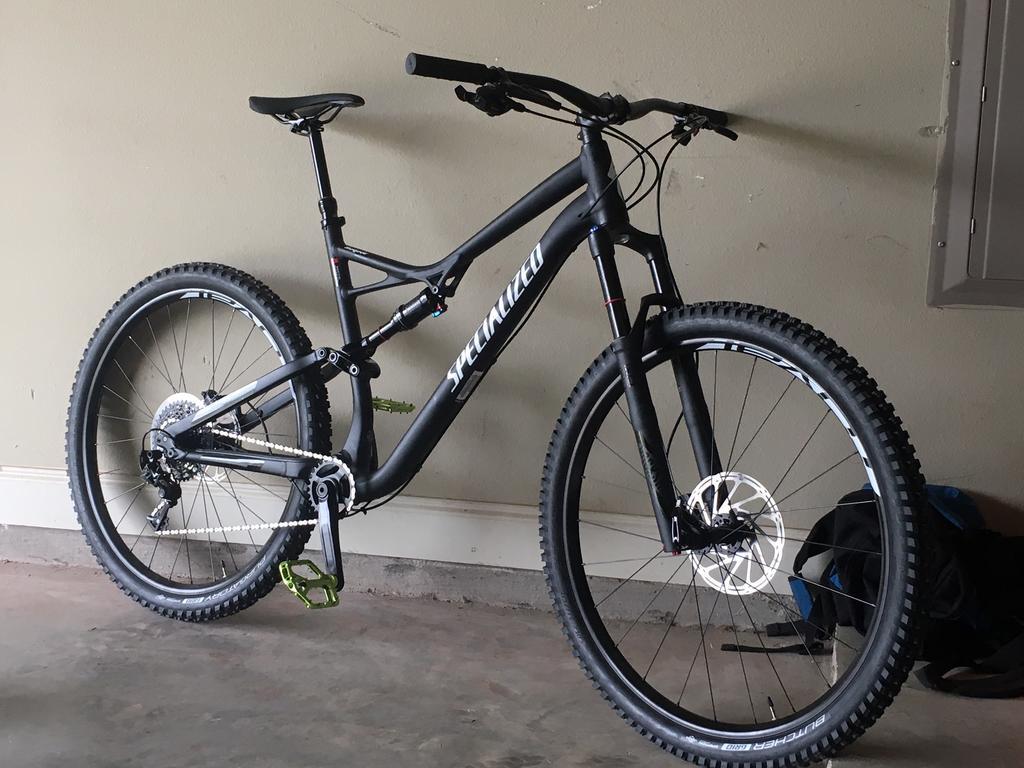 Велосипед Specialized Stumpjumper Comp Satin Black White Clean